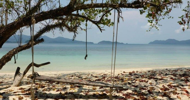 Koh Wai: the beautiful and relaxing paradise. But hot as hell!