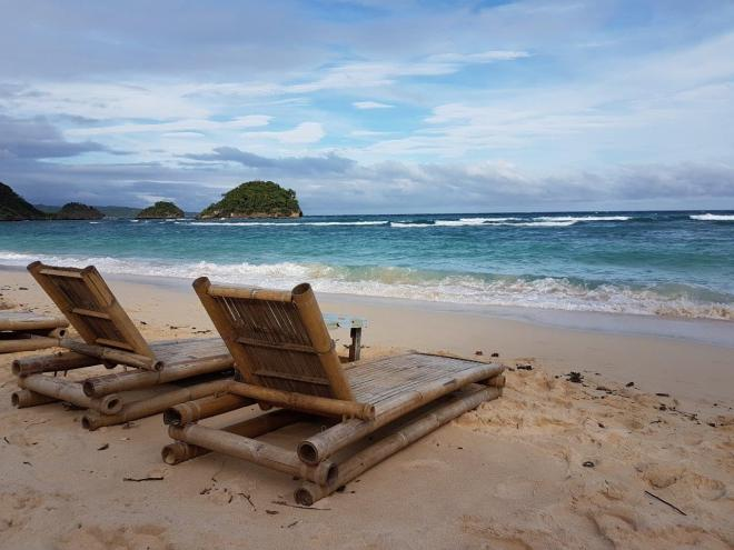 Time to relax at Ilig-Iligan beach at Boracay Island, The Philippines