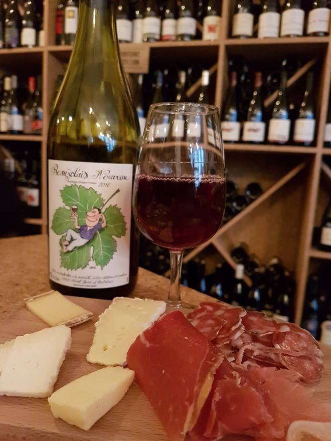 Wine, charcutterie and cheese planche. Food tour Paris, France. Withlocals