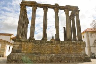 Evora - świątynia z przełomu I i II w.