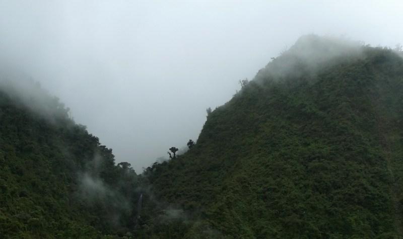 P1020133 Fog& Waterfall