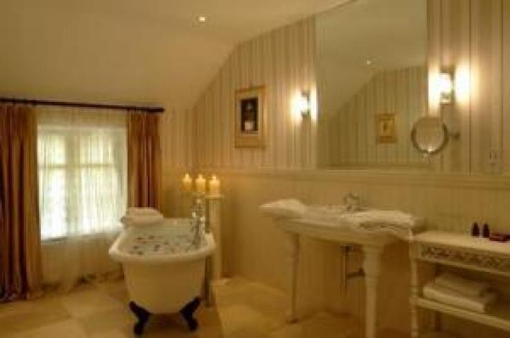Cabra Castle Bathroom - Copy
