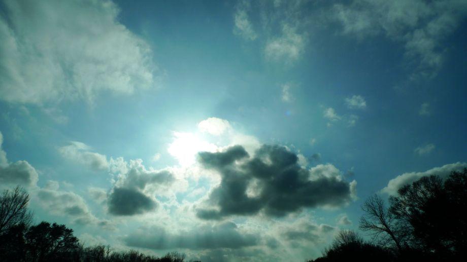 P1110787 Sun And Cloud