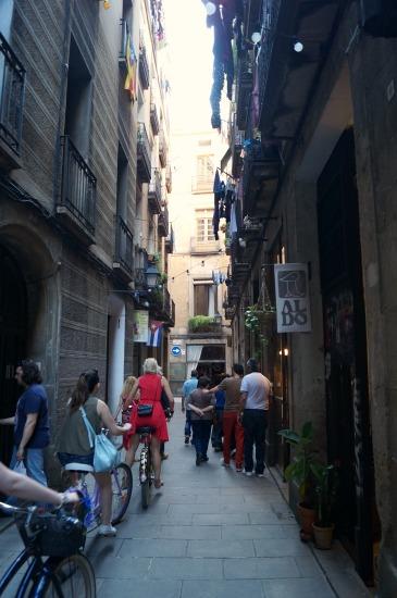 De smalle straatjes in de wijk El Borne