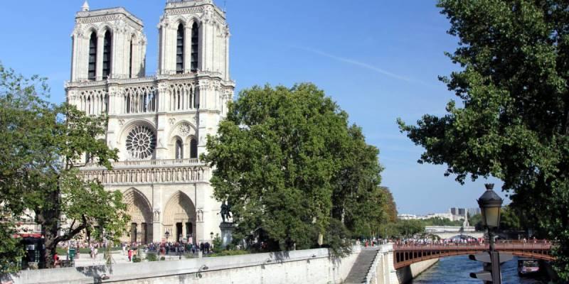 Notre Dame de Paris from the Seine