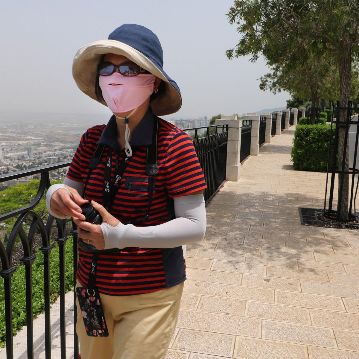 Coronavirus Hits Travel Industry Hard: Chinese Tourists Now Wear Face Masks