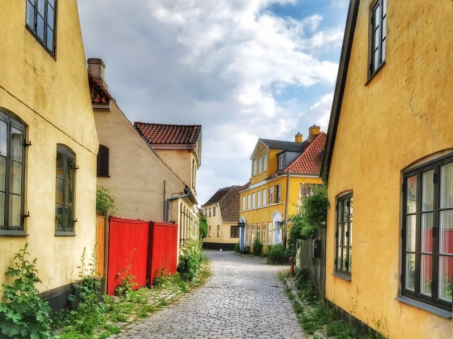 day trip to dragor denmark from copenhagen cobbled streets