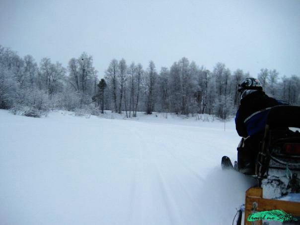 excursión moto de nieve laponia
