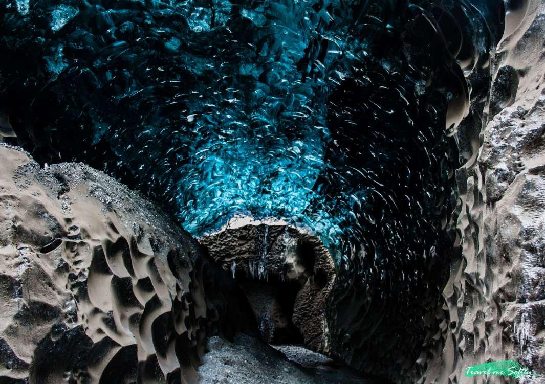 blue ice cave viaje por el sur de islandia