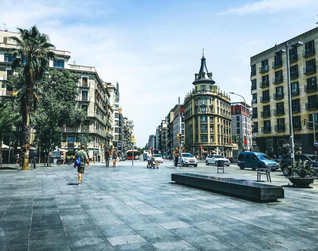 estafados en airbnb barcelona