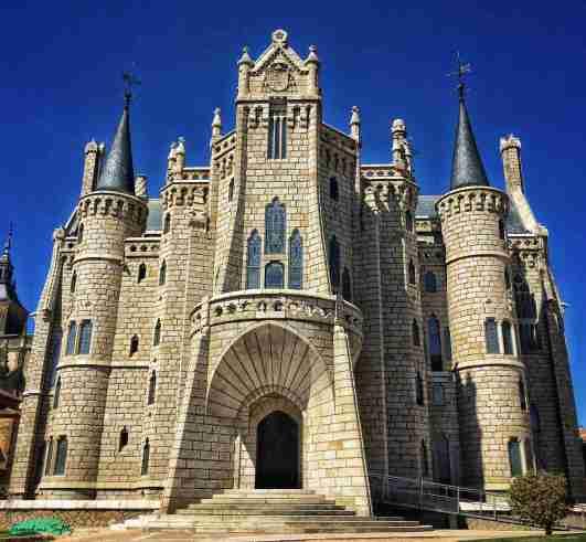 palacio episcopal astorga l