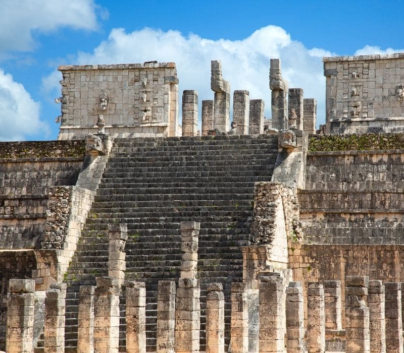 chichen itza stone mayan ruins