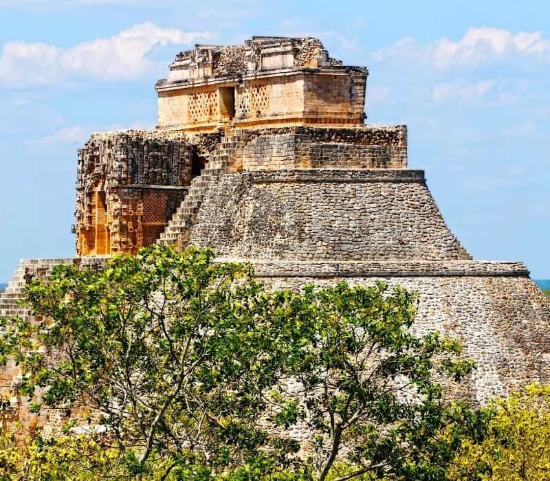 large mayan pyramid