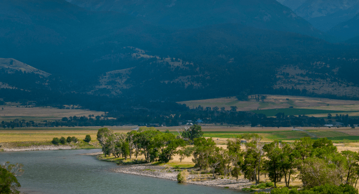Reasons to Visit Montana, such as this gorgeous river and mountain vista
