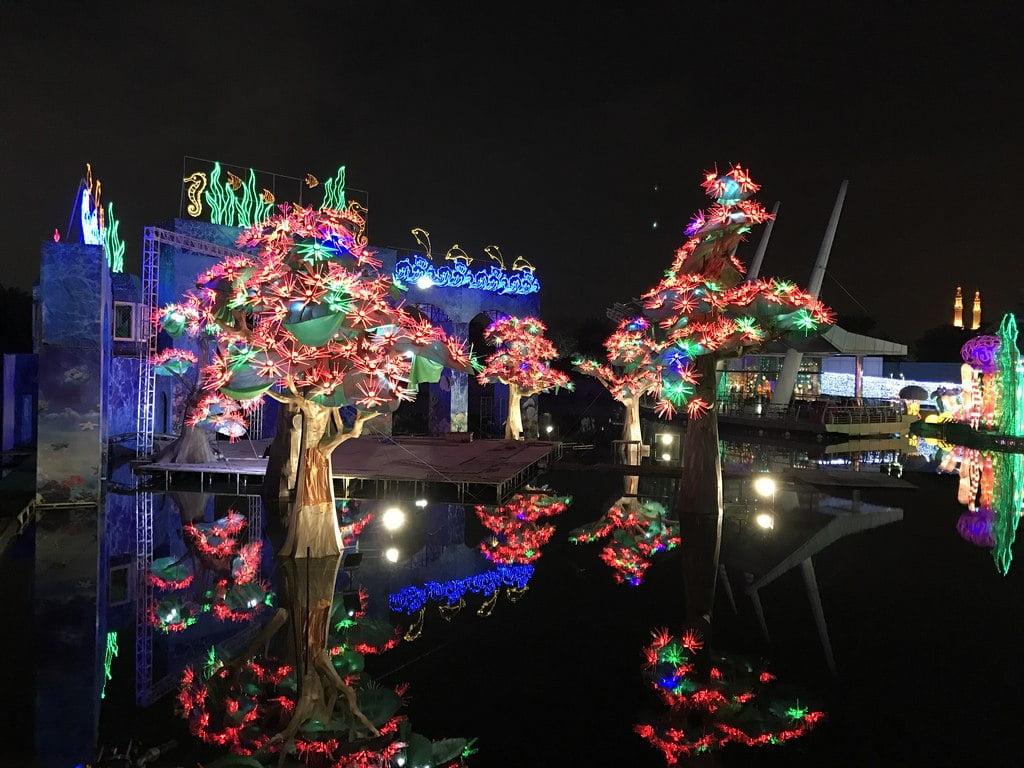 Dubai Garden Glow.jpg