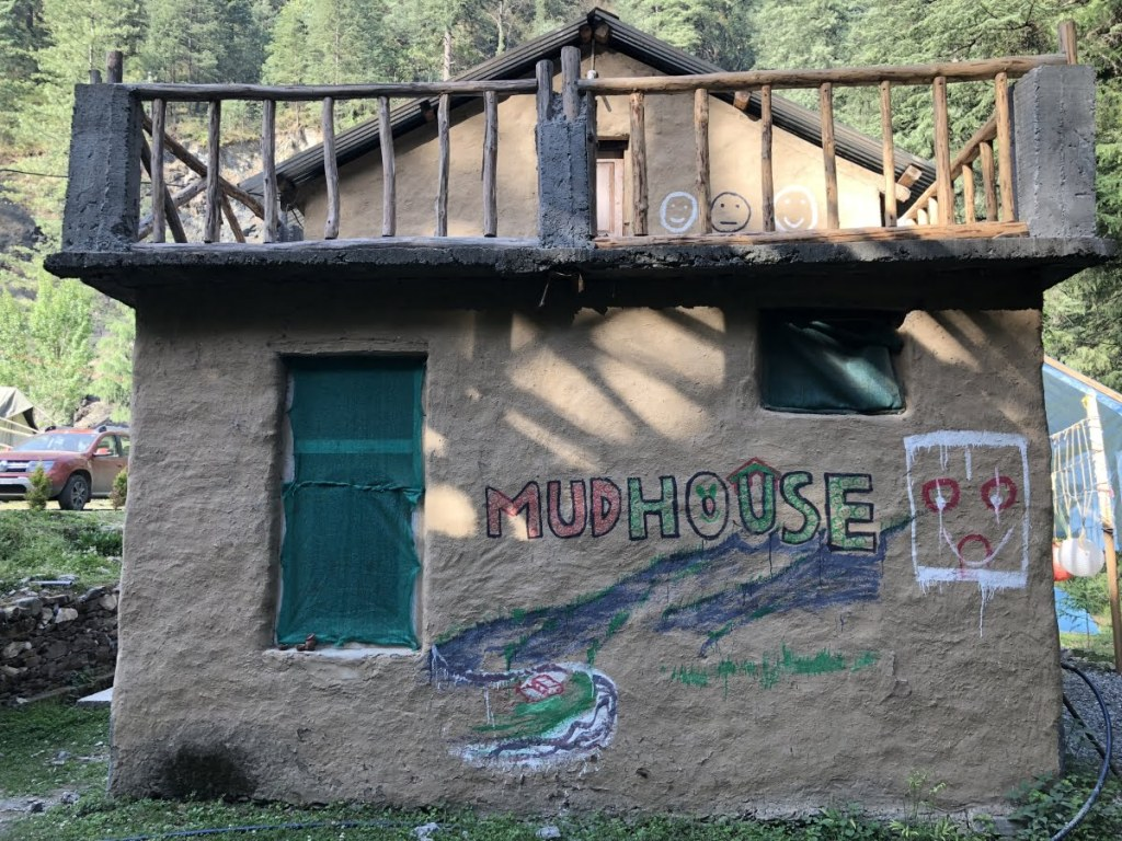 Mudhouse hostels