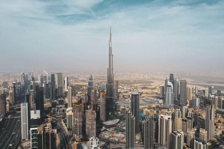 UAE Suspends All Visas