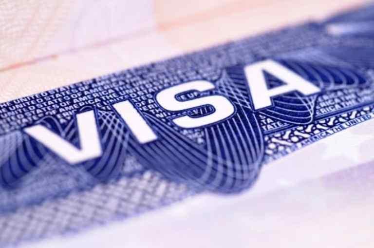 Trump suspends H-1B H-4 visas