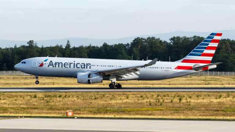 American Airlines cancel Boeing Max