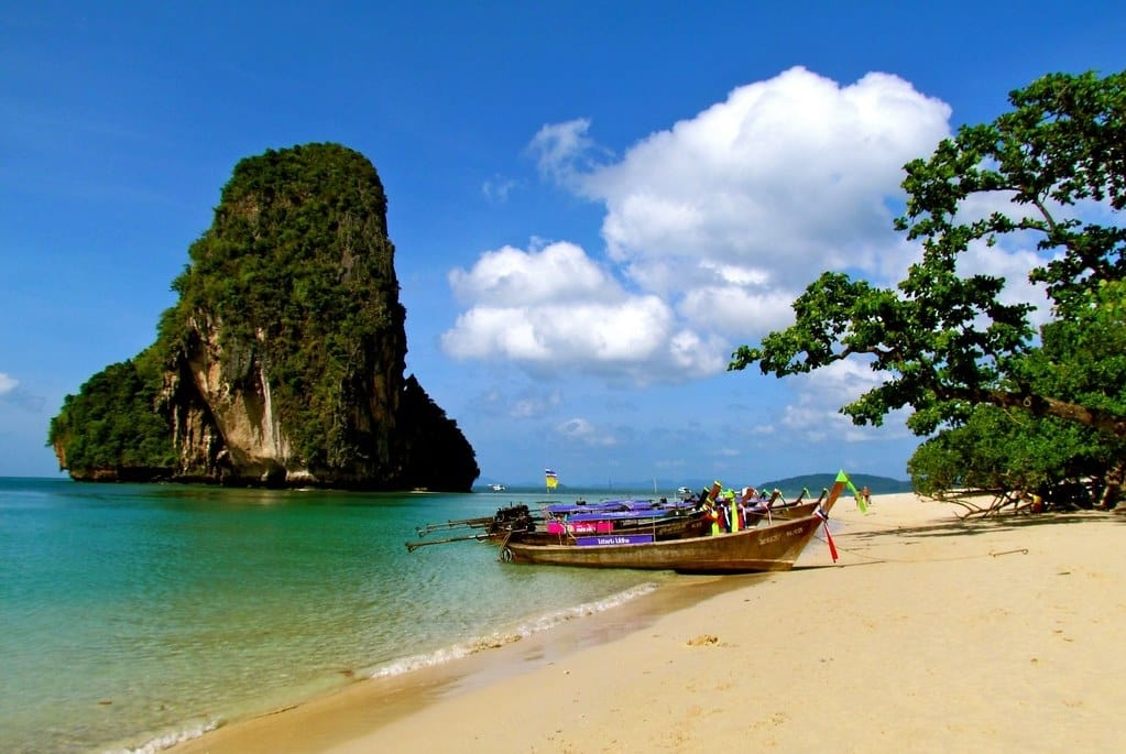 Thailand Allow Tourists In Phuket