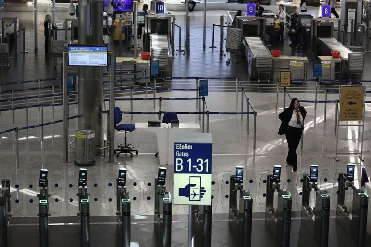 Greece Extends Ban International Flights
