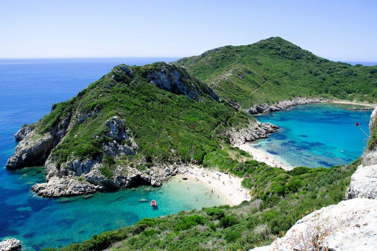 Malta To Pay 200 Euros To Tourists