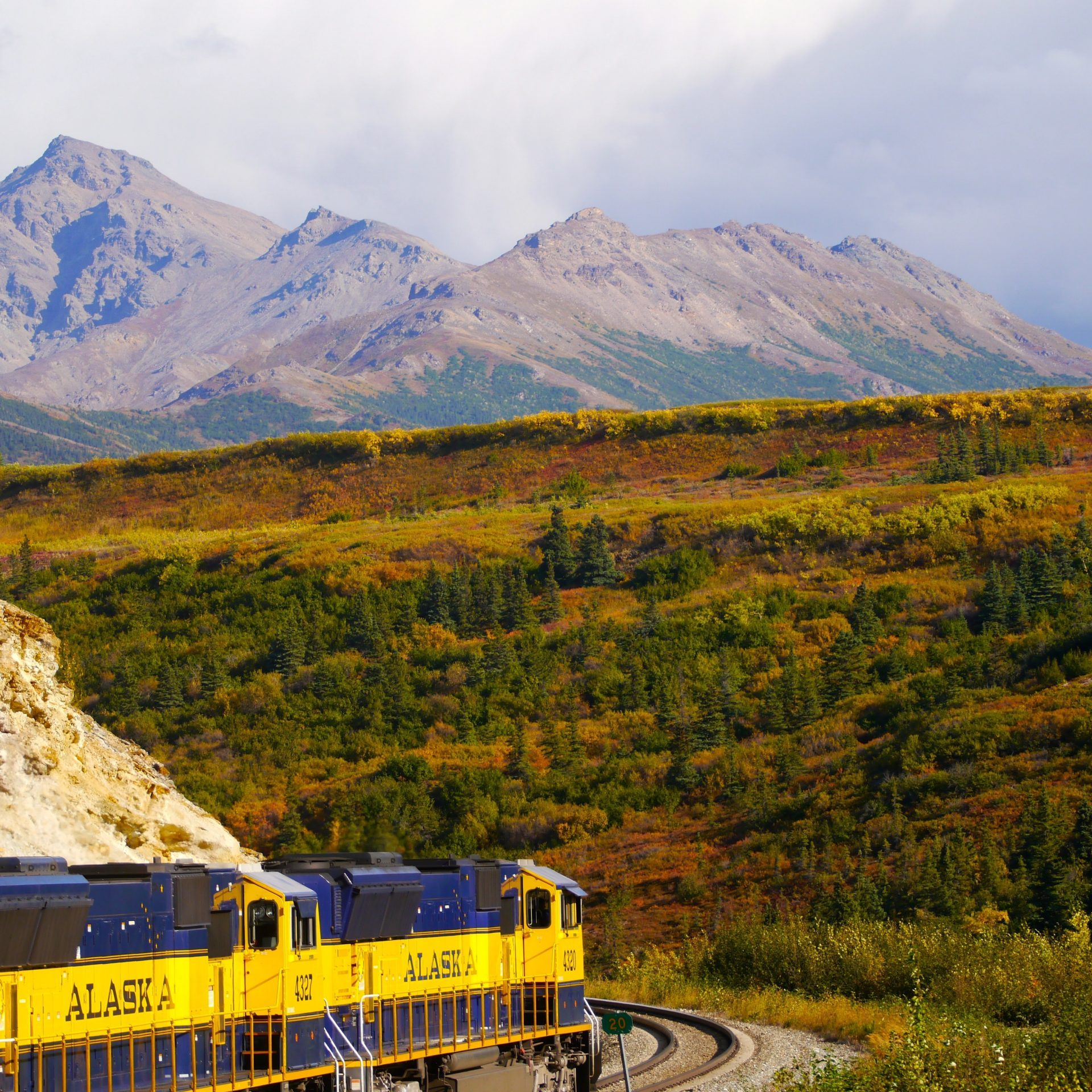 how to visit alaska by rail