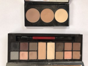Travel Makeup- Smashbox Contour Palette and Matte Eyes