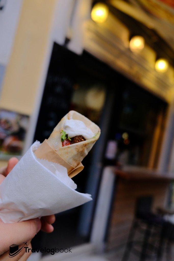 Falafel in Pita 3歐元