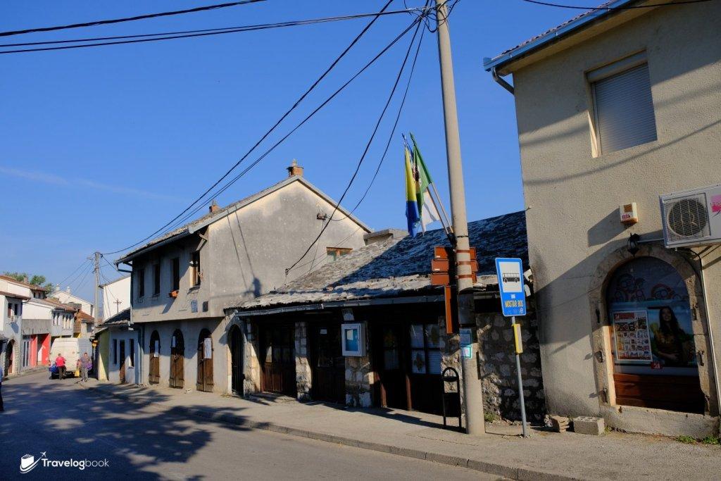 抵達Blagaj的下車處。返回Mostar市中心可於同一巴士站候車。