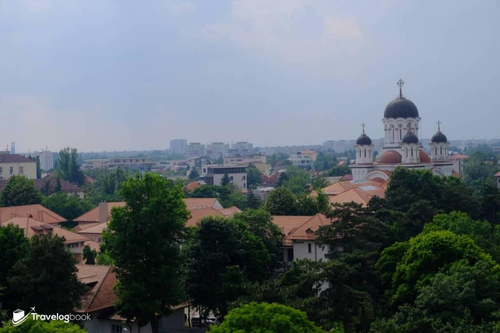 離凱旋門不遠的Cașin Monastery修道院。