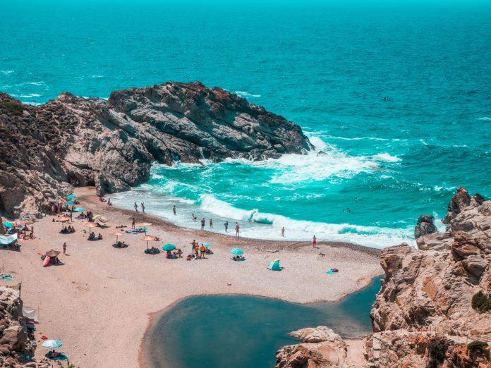 Ταξίδι στην Ικαρία - Παραλίες,πανηγύρια,φαγητό και ξεκούραση!