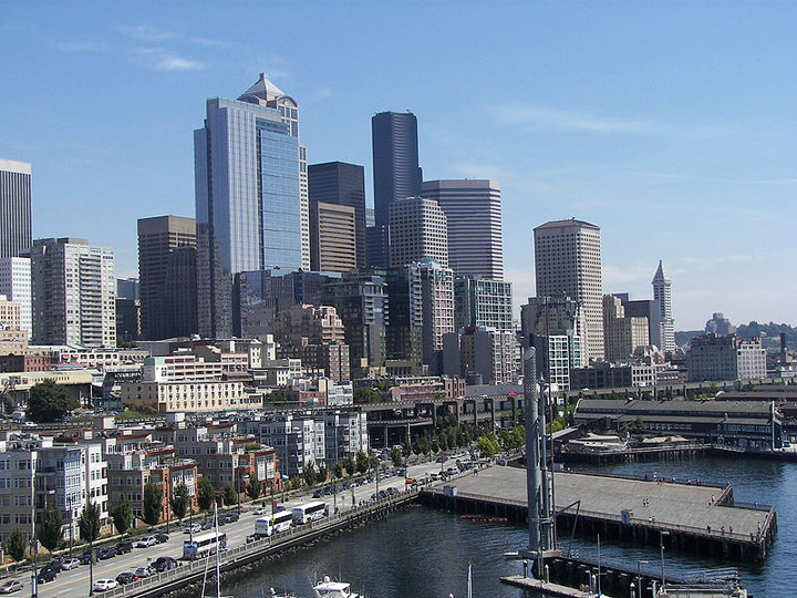 Seattle_downtown_from_Pier_66