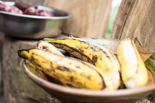 A Food Experience in Peru - Plantains for Pachamanca