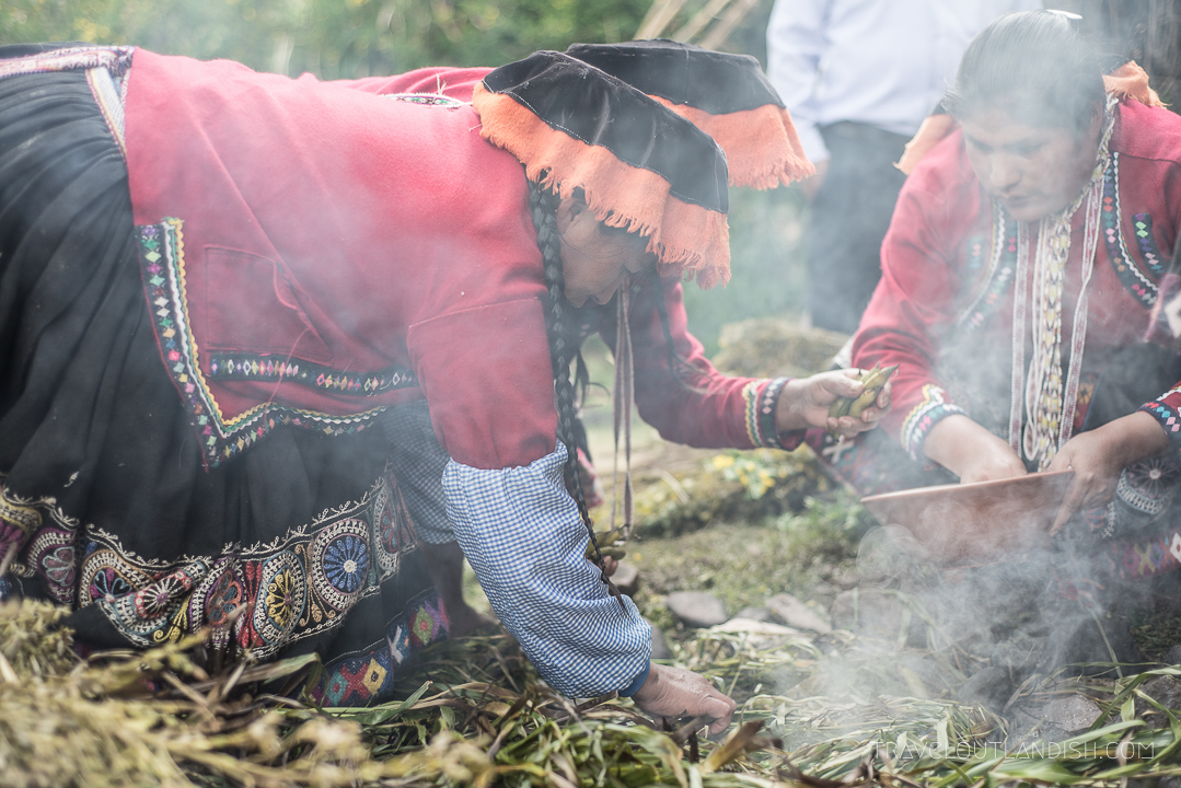 A Food Experience in Peru - Building the Pachamanca