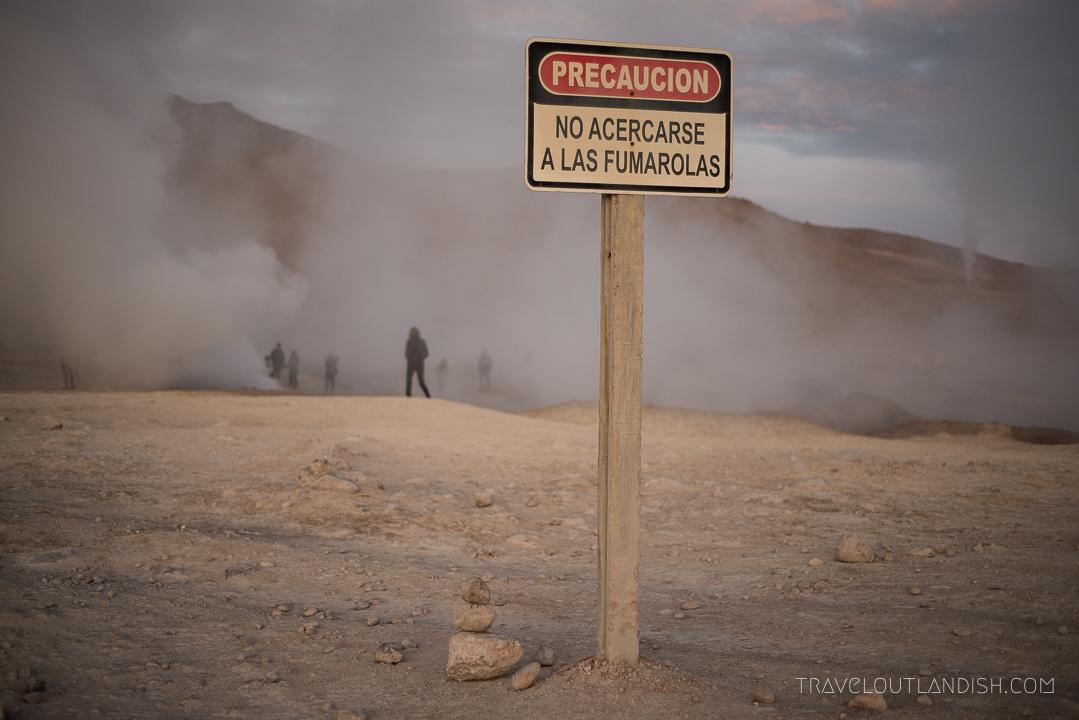 Salar de Uyuni Tours - Precaucion Sign