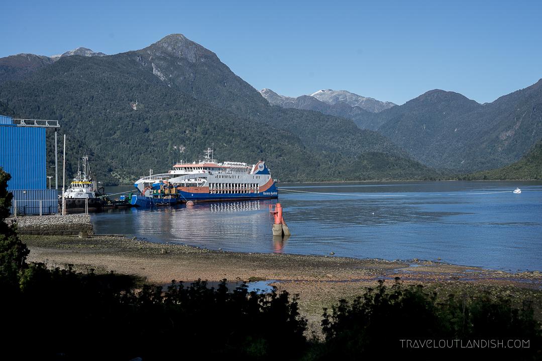 Naviera Austral Ferry - Exterior