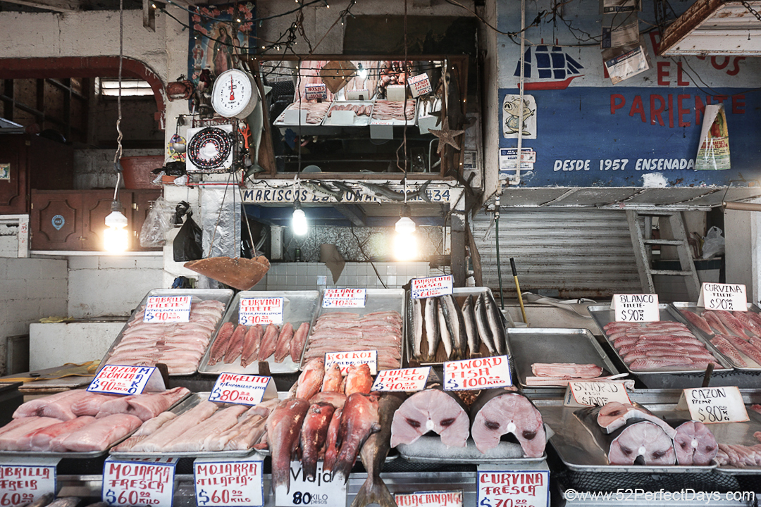 Mercado Negro Fish Market - Fish on Ice