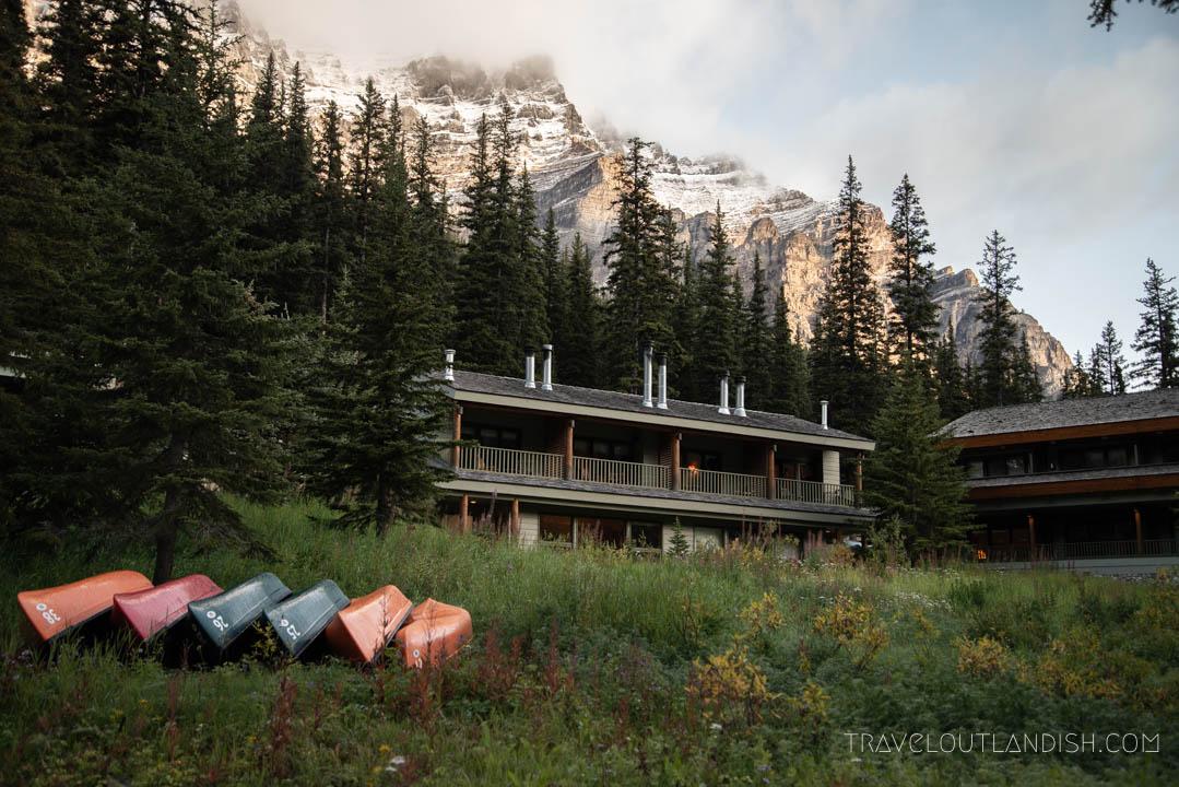 Lakes in Banff - The Moraine Lake Lodge