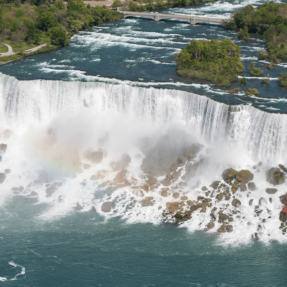 American_Falls_Niagara_Falls_USA_from_Skylon_Tower_on_2002-05-28