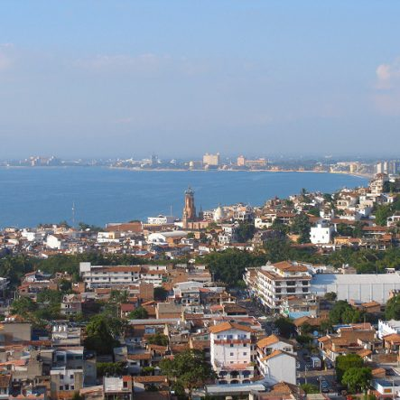 Puerto_vallarta_skyline
