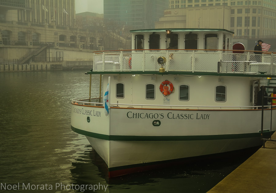 The First Lady cruises in Chicago