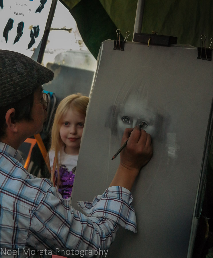 Capturing the eyes of a child in Montmarte