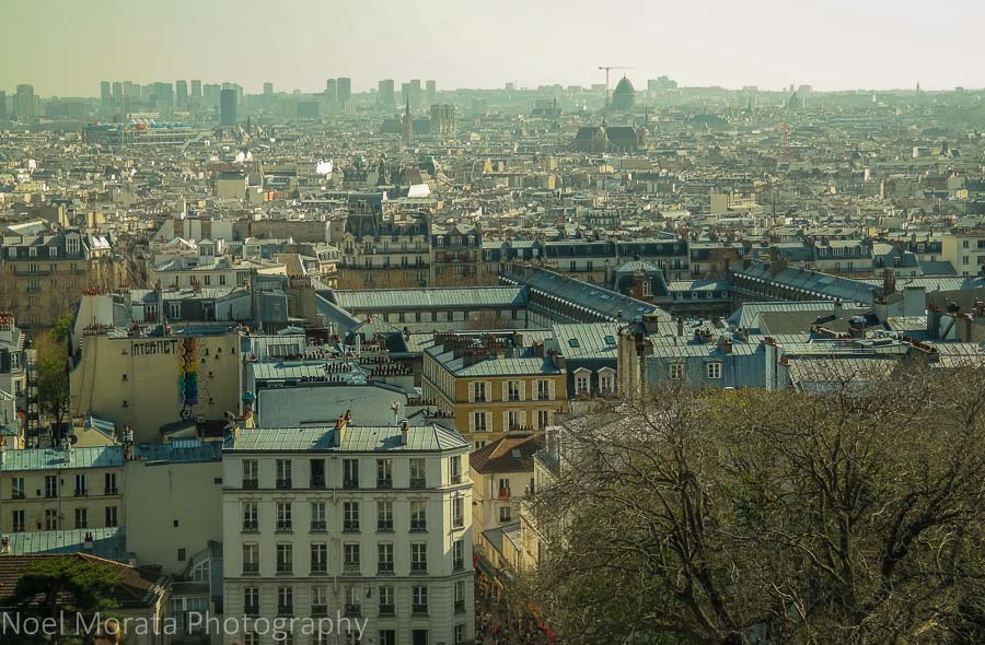 Walking around Pairs with views of Paris from Sacre Coeur in Monmarte
