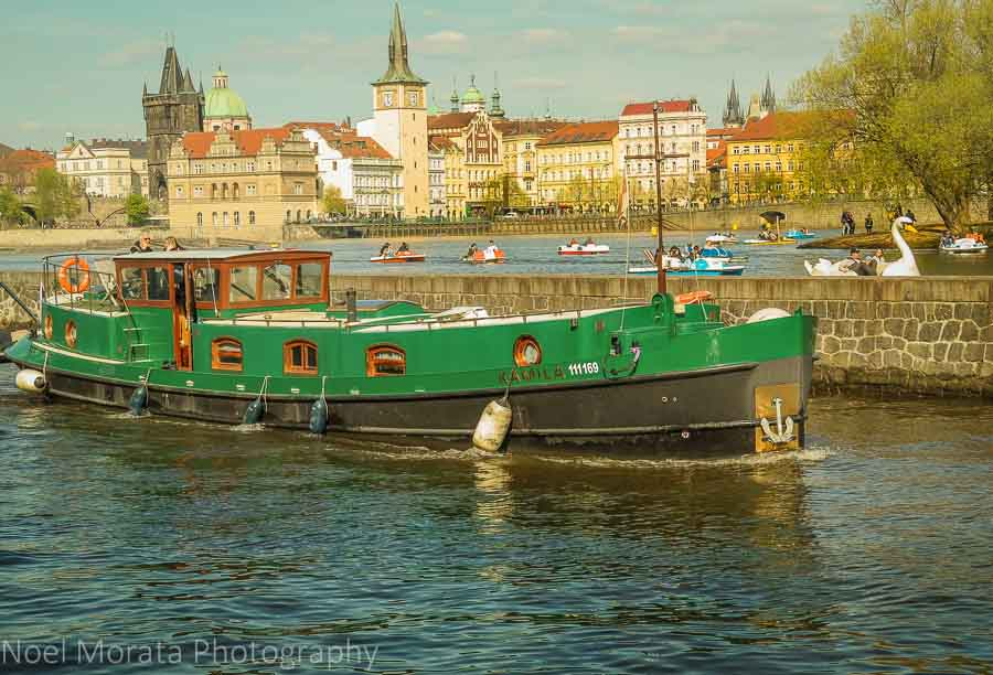 Walks along the Vltava river and water recreation