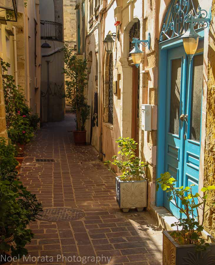Narrow alleyways of Chania - Exploring Chania, Crete