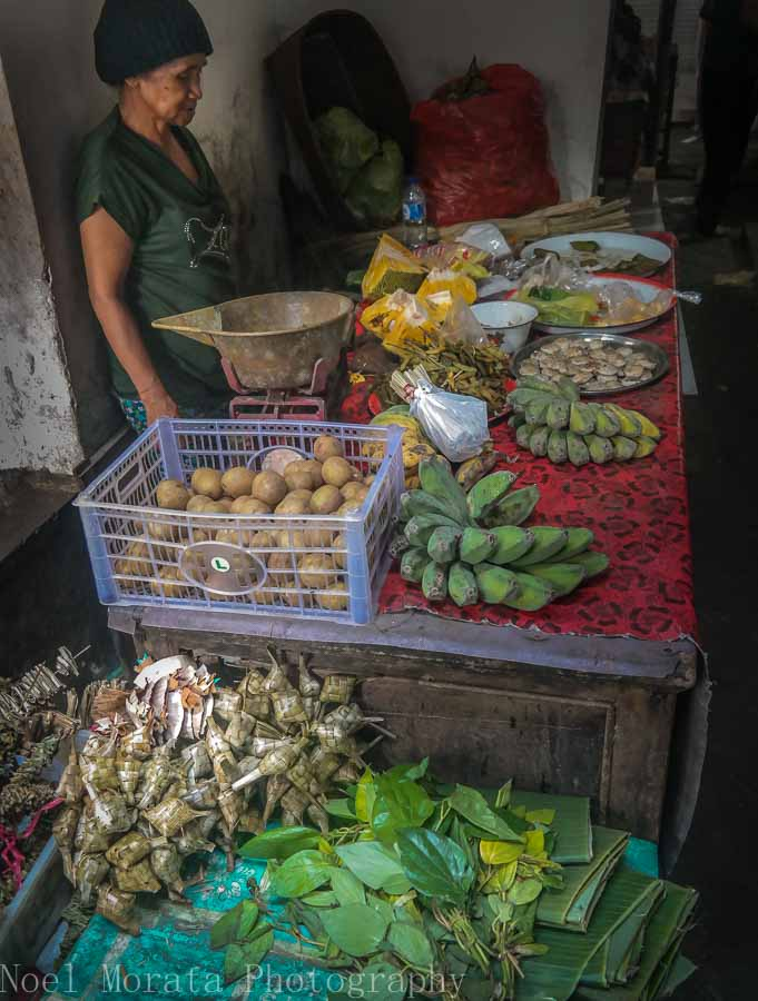 Local fruit and vegetable vendor in Bali - Markets in Bali