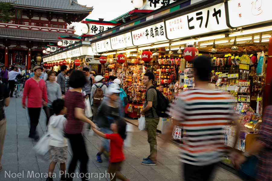 Nakamise dori - Exploring Senso-Ji in Asakusa