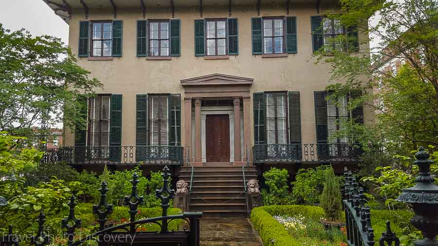 A stately home in the Squares of Savannah Visit Savannah in 48 hours