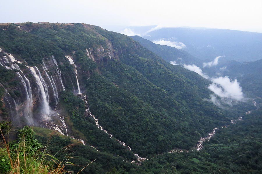 Romantic getaways around the world - Cherrapunjee
